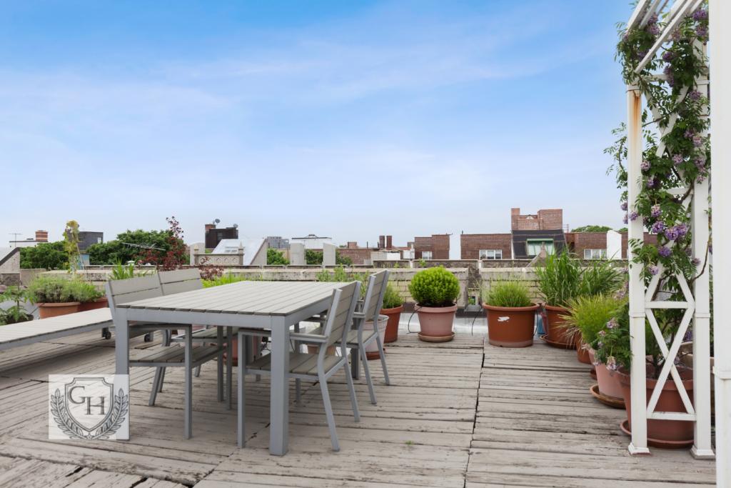 Roof-Deck Patio